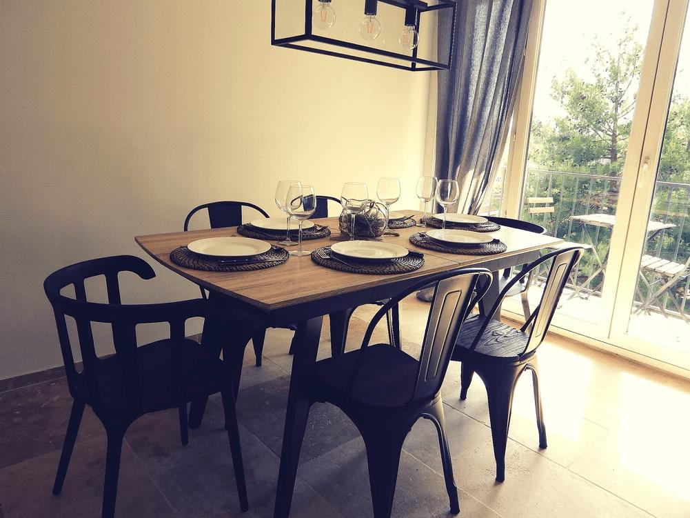 MySofa'mily la salle à manger et sa grande table